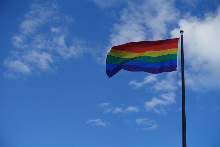 Kreis Schleswig-Flensburg und Stadt Schleswig treten Bündnis gegen Homophobie bei