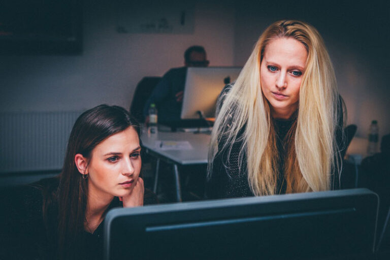 Administrative Aufgaben auslagern – Was spricht dafür bzw. dagegen?